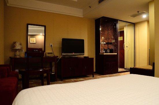 Starway Boutique Tianan Rega Hotel: 5樓某間大床房(里面陳設)
