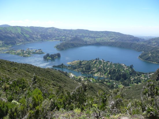 Ambo, Äthiopien: Wanchi is an attractive lake situated at the distance of about 32 kms to the west of Woliso or 2