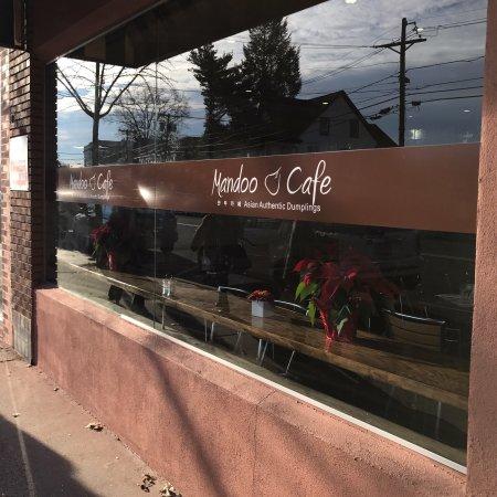 Tenafly, NJ: Mandoo Cafe