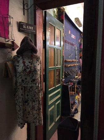 The Hanoi Social Club: 2Fの古着屋さん