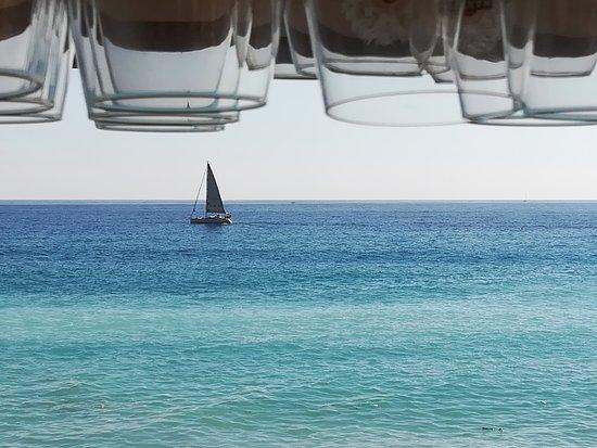 Ospedaletti, Italie : Sail.