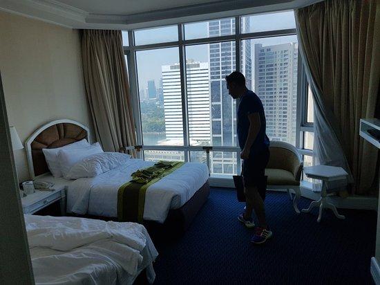 20171210 105401 Large Jpg Photo De Hotel Windsor Suites