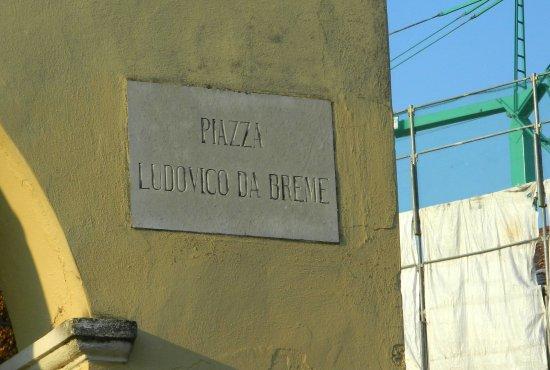 Sartirana Lomellina, إيطاليا: Nella piazza
