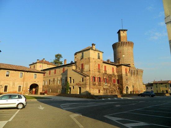 Sartirana Lomellina, إيطاليا: Castello