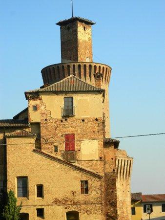 Sartirana Lomellina, إيطاليا: Torre