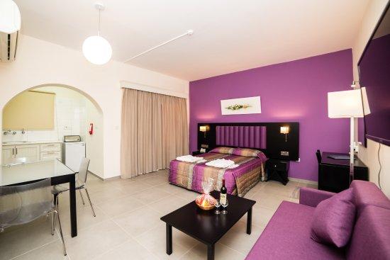Damon Hotel Apartments: Superior apartment