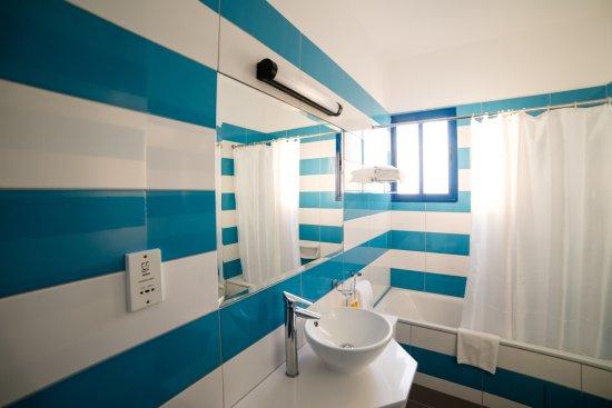 كيفالوس - دامون هوتل أبارتمينتس: Superior bathroom 