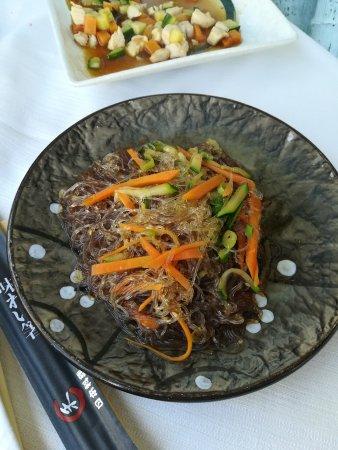 Ristorante star giapponese: spaghetti di soia con verdure
