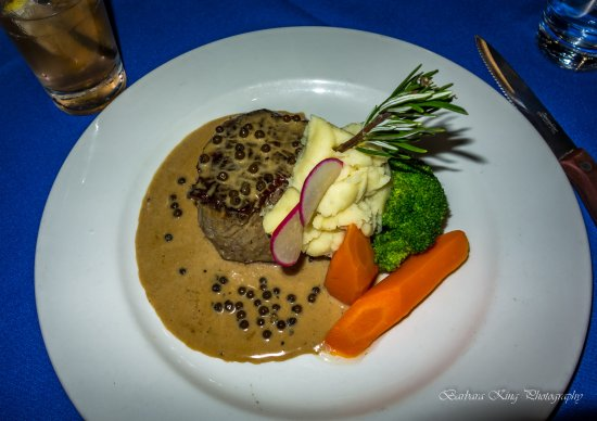 Springwood, Australia: melt in the mouth beef fillet, peppercorn sauce and veg cooked to perfection