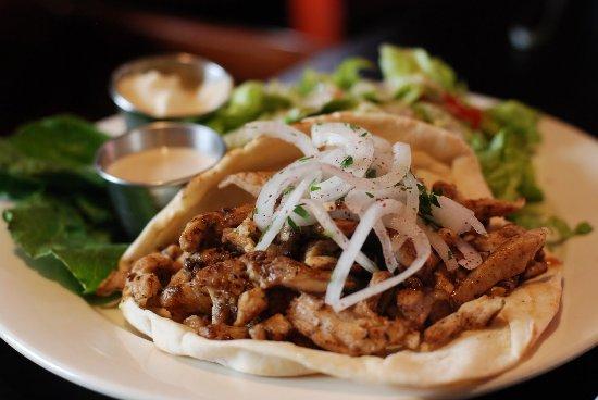 Jabal Al Noor Cafeteria: Plate Shawarma