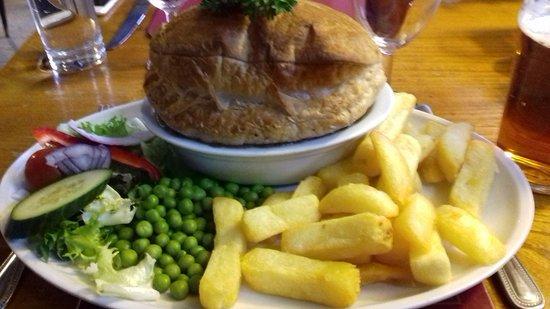 Ardley, UK: Venison pie