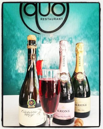 Gillitts, South Africa: Promotion Shoot for International Champagne Day