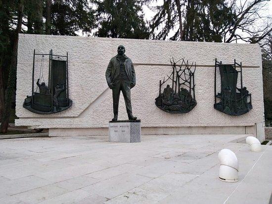 Monumento a Gaetano Marzotto sr