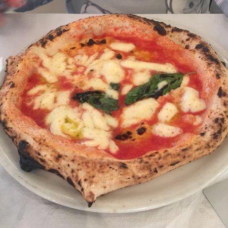 Ristorante farinella in roma con cucina pizza e pasta - Pizzeria con giardino roma ...