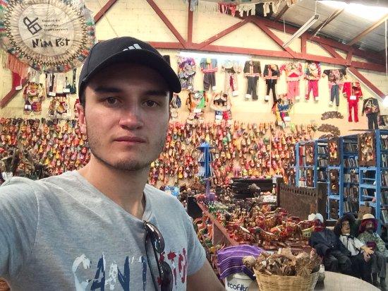 Nim Po't Centro de Textiles Tradicionales: Cosas de todo tipo
