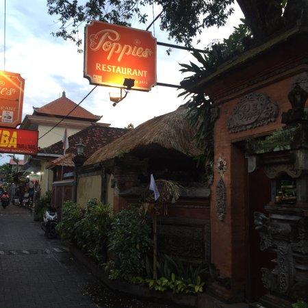 Poppies Restaurant : photo4.jpg