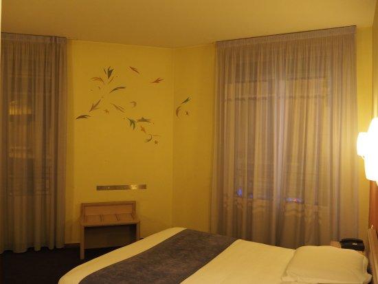 Chambre Double Standard - Bild von Splendid Hotel Grenoble Centre ...