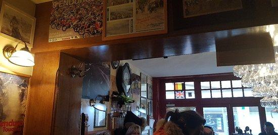 Le Mastroquet: Bar comme je les aime convivialité au rendez vous