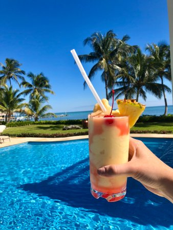 The Phoenix Resort: pina colada at the pool!