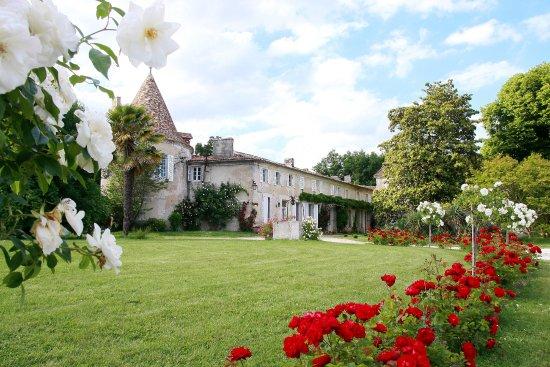 Château De Puyrigaud : Extérieur du Château