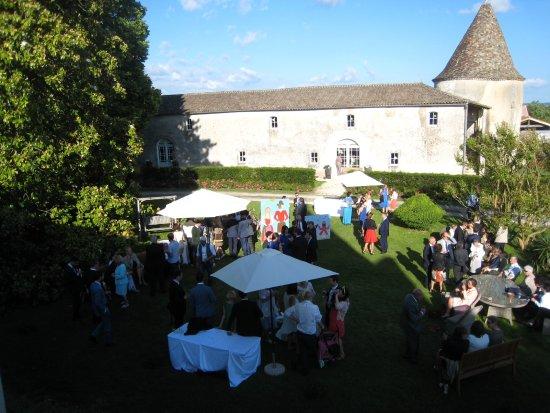 Château De Puyrigaud : Cocktail extérieur