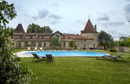 Château De Puyrigaud : Piscine du Château