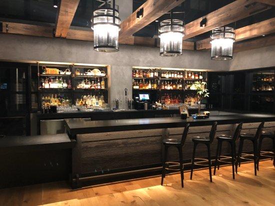 Hotel Kabuki, a Joie de Vivre hotel: The new Bar