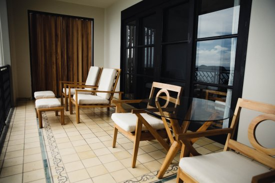 Arenas del Mar Beachfront & Rainforest Resort: Ocean View Suite Terrace