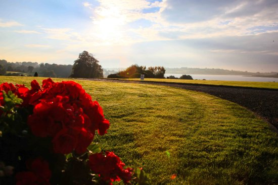 Glasson Country House Hotel & Golf Club: Stunning setting overlooking Lough Ree