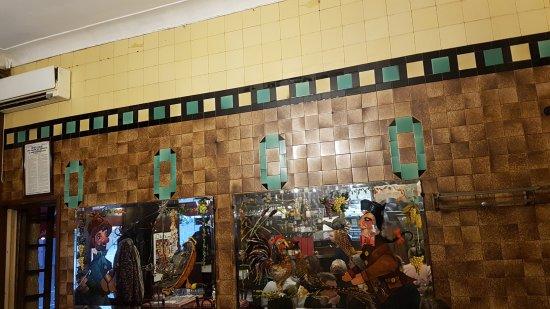 Salle 1 art d co photo de bouchon comptoir brunet lyon tripadvisor - Comptoir de famille lyon ...