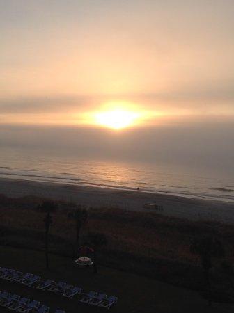 Dunes Village Resort: Beautiful sunrise in Oceanfront room!!