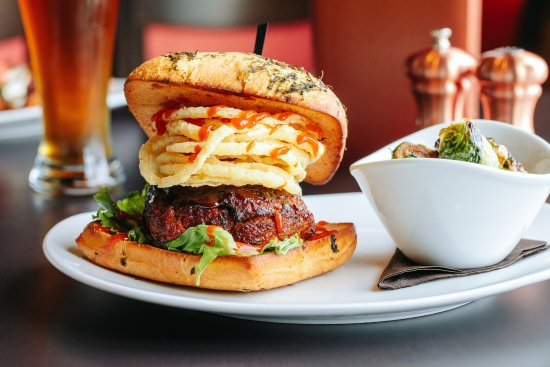 110 Grill: 110 Grill Meatloaf Burger