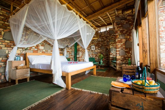 Kyambura Gorge Lodge double room
