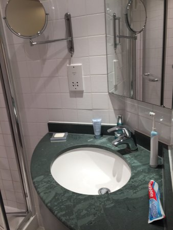 Hilton Garden Inn Bristol City Centre: photo2.jpg