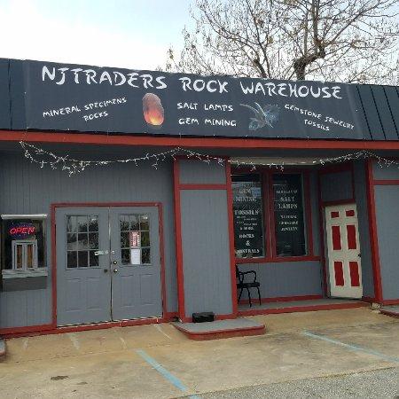 Landrum, SC: Njtraders Rock Warehouse