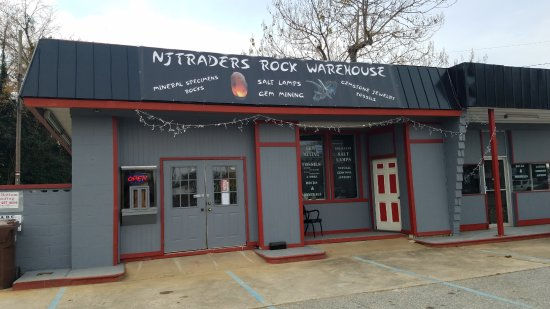NjtradersRockWarehouse