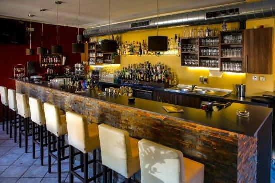 Fredi's Bar