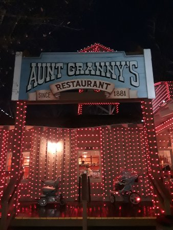 Astounding Aunt Grannys All You Can Eat Buffet Pigeon Forge Home Interior And Landscaping Transignezvosmurscom