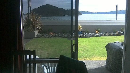Bayview Motel: View from dining area ground floor room