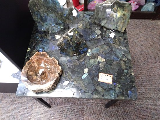 Landrum, Carolina del Sur: Gorgeous labradorite table