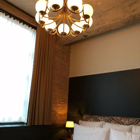 Soho House Chicago: High ceilings!