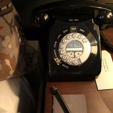 """Soho House Chicago: Love this """"vintage"""" phone"""