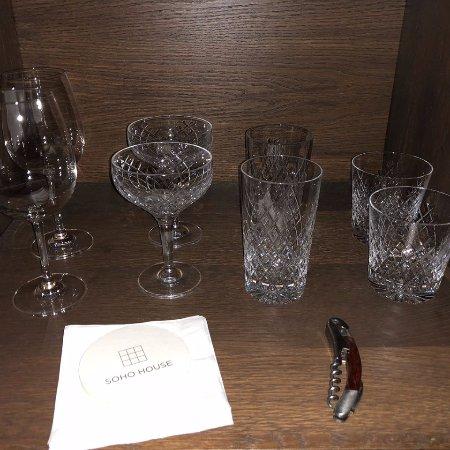 Soho House Chicago: Beautiful glassware