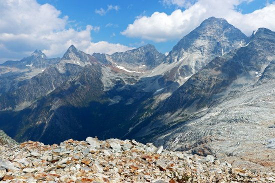 Glacier National Park of Canada, Canadá: From near the the summit.