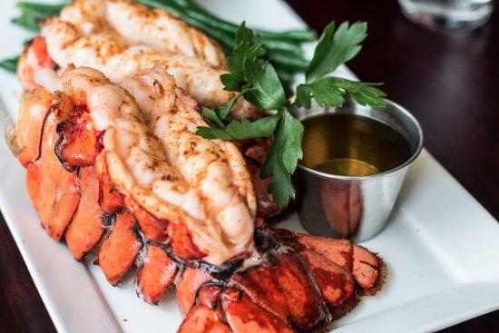 Diamonds Steak and Seafood: Fresh Maine Lobster