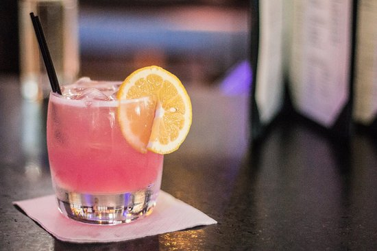 Diamonds Steak and Seafood: Hand-crafted cocktails