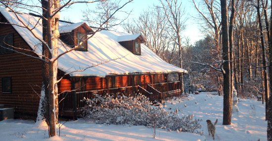 Barefoot Hills: Snow Covered Lodge