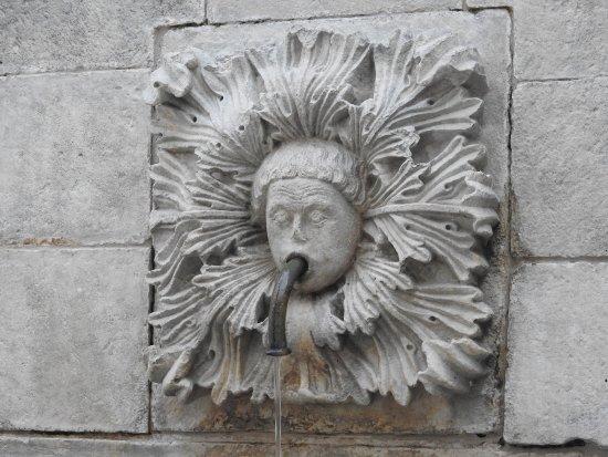 Onophrian Fountain: Fountain Head