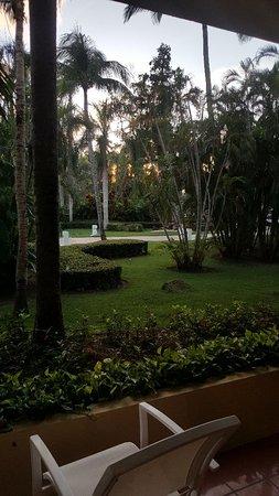 Paradisus Punta Cana Resort: Jardín frente a habitación Suite junior