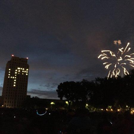 North Dakota State Capitol Building : photo2.jpg